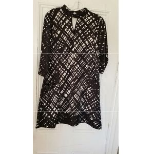 Mod black and white dress with pockets